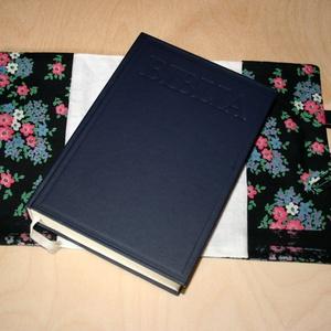 virág mintás fekete Biblia borító füllel  - Meska.hu