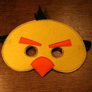sárga angry birds álarc filcből, Ruha & Divat, Jelmez & Álarc, Álarc, Varrás,  Álarc két réteg filcből varrva.\nA szabásmintát is magam készítettem hozzá.\n\nMérete: Kb. 19*14Cm (+ ..., Meska