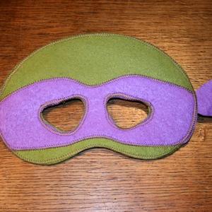 Tini ninja álarc filcből, Táska, Divat & Szépség, Játék, Gyerek & játék, Játékfigura, Farsangi jelmez, Ünnepi dekoráció, Dekoráció, Otthon & lakás, Varrás,  Álarc két réteg filcből varrva.\nA szabásmintát is magam készítettem hozzá.\n\nMérete: Kb. 19*14Cm (+ ..., Meska