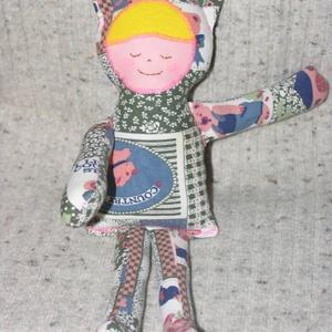 cicababa textilbaba rongybaba, Más figura, Plüssállat & Játékfigura, Játék & Gyerek, Patchwork, foltvarrás, Varrás, \n30cm magas textil baba, mosható tömőanyaggal töltve, arca  hímzett., Meska