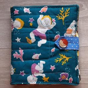 Színes puha könyv     textil könyv   babakönyv  Okoskönyv , Textilkönyv & Babakönyv, Játék & Gyerek, Varrás, Patchwork, foltvarrás, Textilkönyv színes képekkel szalagokkal gombokkal. Egyedi darab. Ez az 1 készült belőle.\n\nPamutvászo..., Meska