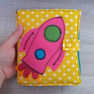 Rakétás képeskönyv babakönyv, Játék & Gyerek, Textilkönyv & Babakönyv, Varrás, Patchwork, foltvarrás, Meska