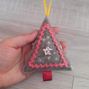 Filc karácsonyfa  - karácsony - karácsonyi lakásdekoráció - karácsonyfadíszek - Meska.hu