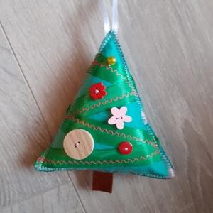Zöld karácsonyfadísz  - Meska.hu