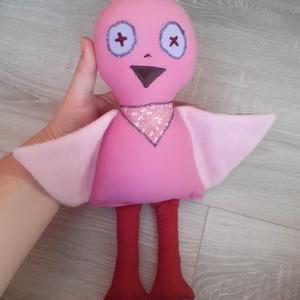 rózsaszín madárka babajáték, Játék & Gyerek, Plüssállat & Játékfigura, Madár, Baba-és bábkészítés, Varrás, Rózsaszín pamutvászonból varrtam ezt a madárkát, teljesen egyedi saját terv és szabásminta szerint. ..., Meska