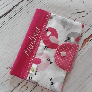 Egészségügyi kiskönyv borító - Pink madarak, Gyerek & játék, Baba-mama kellék, Varrás, Patchwork, foltvarrás, A gyerkőc egészségügyi kiskönyvének tárolására készül a borító. A kiskönyv nem gyűrődik, koszolódik,..., Meska