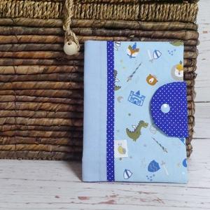 Egészségügyi kiskönyv borító - Horgonyok, Gyerek & játék, Baba-mama kellék, Varrás, Patchwork, foltvarrás, A gyerkőc egészségügyi kiskönyvének tárolására készül a borító. A kiskönyv nem gyűrődik, koszolódik,..., Meska