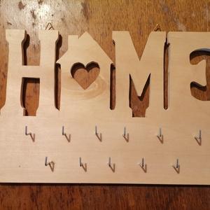 Fali kulcstartó , Otthon & Lakás, Dekoráció, Falra akasztható dekor, Famegmunkálás, Fali kulcstartó fából...\nMérete 30x20cm.\n\nKérésre egyedi méretben is!\n\nNézz körül nálam, sokféle ter..., Meska