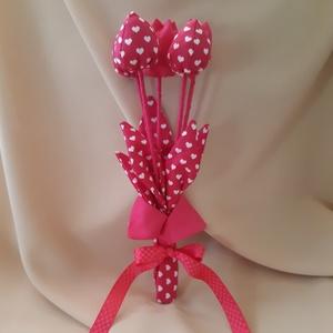 Szívecske mintás tulipán csokor, Otthon & Lakás, Lakberendezés, Varrás, Valentin napra egy fantasztikus magenta (pink) színű tulipán kavalkád megmozgatja a fantáziádat? 5 d..., Meska