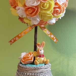 Tavaszi rózsafa, Otthon & Lakás, Dekoráció, Asztaldísz, Mindenmás, Virágkötés, Tavaszi illetve húsvéti dekoráció, ami még ajándéknak is szuper.\nKB 34 cm magas, a gömb kB 13 cm átm..., Meska