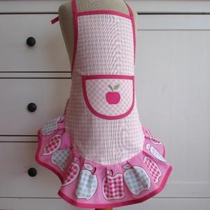 Lánykötény (alma, 3-5 év), Otthon & lakás, Konyhafelszerelés, Kötény, Varrás, Ennek a köténynek az alapja egy  rózsaszín-fehér kockás vászon. Ehhez társítottam egy almamintás pam..., Meska