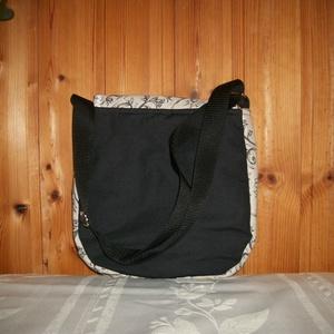 Fekete virágos válltáska - kisebb - Meska.hu