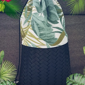 Pálmás táska- fekete, Táska, Hátizsák, Varrás, Vastag textil felsőrész - fekete műbőr alsó rész Méret: 33*45*8cm (szélesség*magasság*mélység), Meska
