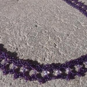 Lila nyaklánc csiszoltgyöngyökkel, Ékszer, Nyaklánc, Lila nyaklánc lilla átlátszó csiszolt gyöngyökkel. Hosszúsága: 36 cm + 4 cm lánchosszabbító Szélessé..., Meska