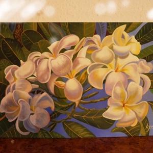 Frangipani, Otthon & lakás, Képzőművészet, Festmény, Olajfestmény, Napi festmény, kép, Festészet, Fotó, grafika, rajz, illusztráció, A festmény 30 x 40 cm. Kasírozott vászonra készült olaj kép.A virágok háttere az esti égbolt.\nKeret ..., Meska