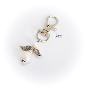 Kulcstartó gyöngy angyallal, Táska, Divat & Szépség, Kulcstartó, táskadísz, Ékszerkészítés, Fém kulcstartó tenyésztett gyöngy angyallal.  teljes hossza 6 cm. , Meska