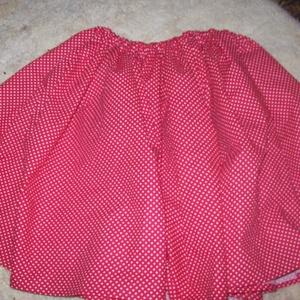 Piros pöttyös szoknya, Szoknya, Női ruha, Ruha & Divat, Varrás, 55 cm hosszú piros pöttyös néptáncos szoknya, gumis derékkal! Vásárlás után írd meg hozzá a derékbős..., Meska