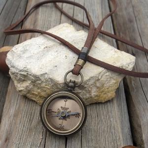 Női iránytű nyaklánc, Női bivalybőr hosszú nyaklánc antik bronz iránytű medállal (jullyet) - Meska.hu