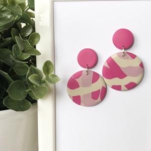 Mályva-pink karika fülbevaló, Ékszer, Fülbevaló, Lógós kerek fülbevaló, Gyurma, Kézzel készült, egyedi süthető gyurma fülbevaló.\nMályva, bézs és rózsaszín gyurma felhasználásával k..., Meska