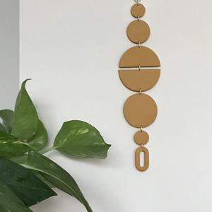 Mustársárga fali dekoráció, Falra akasztható dekor, Dekoráció, Otthon & Lakás, Gyurma, Kézzel készült fali dekoráció süthető gyurmából.\nMérete :25cm x 6cm\n\nKönnyű, és nedves ruhával tiszt..., Meska