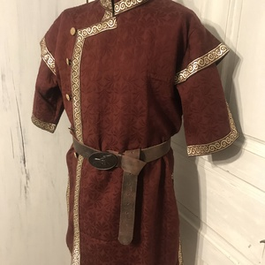"""Kaftán bordó-arany """"mongol"""" fazon, Ruha & Divat, Férfi ruha, Egyedi és különleges levélmintás tükörbársonyból, bordó-arany szalagokkal díszítve. A szalag mintája..., Meska"""