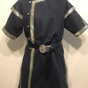 """Kaftán kék-arany """"mongol"""" fazon, Ruha & Divat, Férfi ruha, Sötétkék vastag vászonból, kék-arany szalagokkal díszítve. A szalag mintája eltérhet a fotón levőtől..., Meska"""