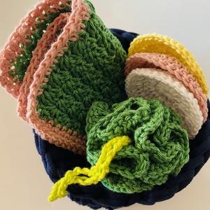 Spa ajándékcsomag, Szépségápolás, Ajándékcsomag, Horgolás, \nOrganikus pamutból készült spa szett kellemes zöld -bézs-sárga színben. Tartalma: 3 db arctisztító ..., Meska