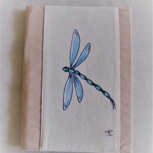 """Kézzel festett \"""" Szitakötő \"""" füzet, Otthon & Lakás, Konyhafelszerelés, Receptfüzet, Festett tárgyak, Varrás, Saját tervezésű, készítésű, szabad kézzel festett füzetborító füzettel.\nVálogatott alapanyagokból, b..., Meska"""