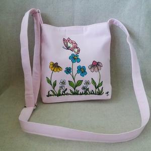 """Kézzel festett \"""" tavaszi rét\"""" gyerek táska, Táska & Tok, Kézitáska & válltáska, Vállon átvethető táska, Festett tárgyak, Varrás, Saját tervezésű, készítésű, szabad kézzel festett \"""" tavaszi rét\"""" gyerek táska kb.: 2-6 éves korig. A..., Meska"""