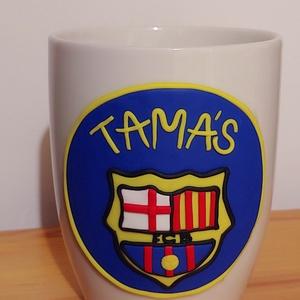 FCB bögre, Konyhafelszerelés, Otthon & lakás, Bögre, csésze, Gyurma, FCB  bögrén. \n\nSokan rajonganak ezért a csapatért.  \nA bögre 2 dl-es, magassága 13 cm. \n\nA reggeli k..., Meska