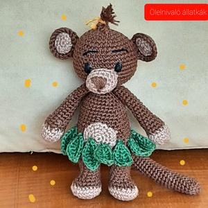 majmocska, Játék & Gyerek, Plüssállat & Játékfigura, Majom, Horgolás, Az ölelnivaló állatkák sorozatból amigurumi technikával horgoltam ezt a bájos kis állatkát. 100%-os ..., Meska