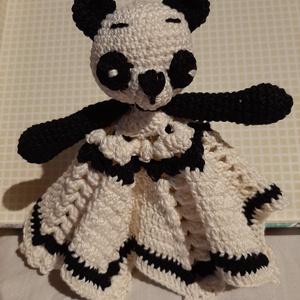 Panda Vanda, Játék & Gyerek, 3 éves kor alattiaknak, Alvóka & Rongyi, Horgolás, Megláttam ezt a 8 szögletű mintát és a színeit  Pandához igazítottam. Ő nagyon örült az új testének,..., Meska