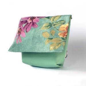 Kistáska Free bird / oldaltáska / virágos, Táska & Tok, Variálható táska, Varrás, Szereted, ha csinos vagy és közben a táskád is kényelmes? A Free Bird táskákkal kényelmesen túrázhat..., Meska