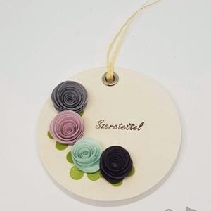Kerámia illatkő - Szeretettel 4 virággal, Otthon & Lakás, Dekoráció, Kavics & Kő, Papírművészet, Kerámia, Kerámiaporból készült illatkő, melyet kiváló minőségű tihanyi levendula illóolajjal átitatva adok át..., Meska
