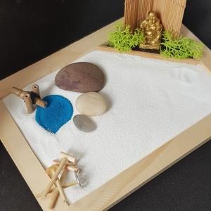 Zen kert  - Buddha tóval és csobogóval, DIY (Csináld magad), Egységcsomag, Mini Zen kert, amit egy 18 x 13 cm-es natúr képkeret átalakításával készítettem, a hozzá tartozó kis..., Meska