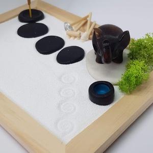 Zen kert - Elefánt füstölővel, DIY (Csináld magad), Egységcsomag, Famegmunkálás, Mindenmás, Mini Zen kert, amit egy 18 x 13 cm-es natúr képkeret átalakításával készítettem, a hozzá tartozó kis..., Meska