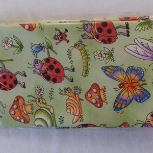 Patchwork anyag (Bugs), Textil, Pamut, Varrás, Mindenmás, Kiváló minőségű angol patchwork szövet. Az ár 1 darab panelre vonatkozik.\n\nAz anyag mérete: 50 cm x ..., Meska