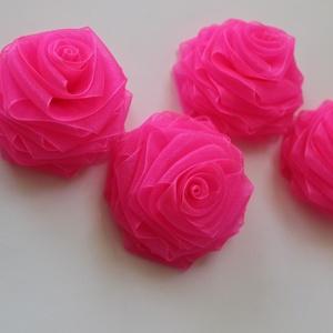Rózsa virágok, Textil, Felvarrható kellék, Varrás, Szalag, Textil,  Organzából készült rózsák \n6,5 cm átmérővel.\n\nFelhasználhatók  ,kitűzők,ruhák,táskák díszétéséhez.\n..., Meska