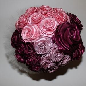 Rózsa csokor, Esküvő, Esküvői csokor, Dekoráció, Otthon & lakás, Csokor, Varrás, Mindenmás, Rózsáimat csokorba rendeztem. \nHárom  színből alkottam  .\nEsküvőre ajánlom. \n, Meska