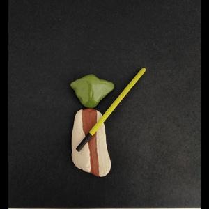 Minimal art kavicskép - Yoda, Otthon & Lakás, Kép & Falikép, Dekoráció, Festett tárgyak, Fotó, grafika, rajz, illusztráció, Meska
