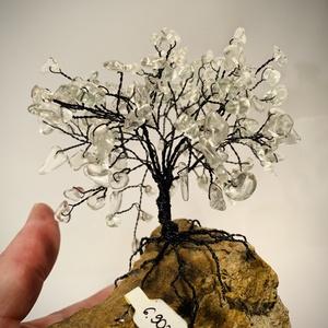 Szerencsefa kristályfa életfa Hegyikristály több mint 100 kristályból!, Dísztárgy, Dekoráció, Otthon & Lakás, Ékszerkészítés, Gyöngyfűzés, gyöngyhímzés, A szerencsefa vagy más néven életfa harmonizálja, energizálja környezetünket. Pozitívan befolyásolja..., Meska