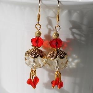 Arany piros gyöngyös fülbevaló menyaszzonyoknak is!, Lógó fülbevaló, Fülbevaló, Ékszer, Gyöngyfűzés, gyöngyhímzés, Gyönyörű alkalmi fülbevaló Swarovski kristályokkal\nHossza: 5 cm, Meska