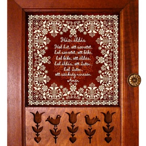 Kulcstartó szekrény, kulcsos szekrény Áldás sárközi motívummal #39, Otthon & Lakás, Spiritualitás & Vallás, Házi áldás, Famegmunkálás, Kerámia, ♥ A termék megvásárlása esetén egy függesztékkel ellátott medált adunk ajándékba!\n\n★ Nézd meg a több..., Meska