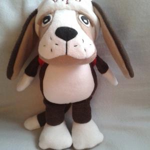 Vipo a repülő kutya, Gyerek & játék, Játék, Játékfigura, Varrás, A kutyus 28 cm magas. Hatalmas fülei vannak. Végtagjai mozgathatóak, sapkája rögzített, hátizsákja l..., Meska