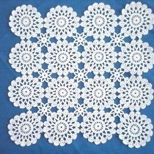 HORGOLT TERÍTŐ 36x36 CM, Otthon & lakás, Lakberendezés, Lakástextil, Terítő, Horgolás, Ez a terítő szép kis csillagokból készült, fehér színű,100% 30-as pamut fonalból készült...., Meska