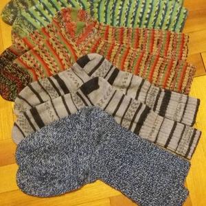 Pihe-puha-kötött zokni (katalin15) - Meska.hu