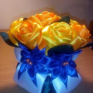 Sárga csokor virág, Csokor & Virágdísz, Dekoráció, Otthon & Lakás, Mindenmás, Újrahasznosított alapanyagból készült termékek, Ezt a csokor virágot a kanzashi techikával készítettem. A rózsákat szirmonként hajtottam,kétféle sár..., Meska