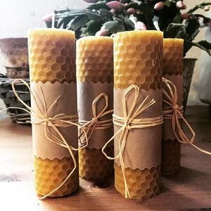 4 darabos méhviaszgyertya szett, Dekoráció, Otthon & lakás, Ünnepi dekoráció, Karácsony, Karácsonyi dekoráció, Gyertya-, mécseskészítés, 4 db tekert méhviaszgyertya egy csomagban. \nMéretek: magasság- 11 cm, átmérő: 3 cm\nA méhviaszgyertya..., Meska