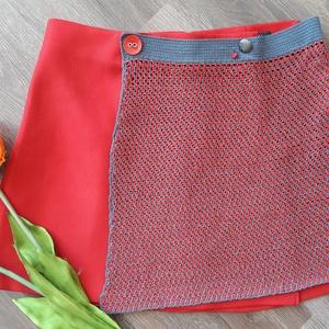 piros szoknyám, Táska, Divat & Szépség, Ruha, divat, Női ruha, Szoknya, Horgolás, Varrás, A miniszoknya néven ismert női ruhadarab az 1960-as években Angliában tűnt fel.  Elsőként Mary Quant..., Meska