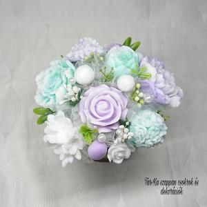 Lila - zöld - fehér szappanvirág dekoráció kaspóban , Otthon & lakás, Dekoráció, Csokor, Virágkötés, Szappankészítés, Mindegyik csokor egyedi tervezésű és kézzel készített.\n\nElegáns szappanvirág dekorációk melyek sokái..., Meska